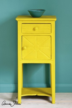 english-yellow-side-table-by-annie-sloan-1.jpg